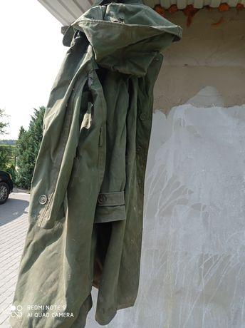 Stary płaszcz  przeciwdeszczowy