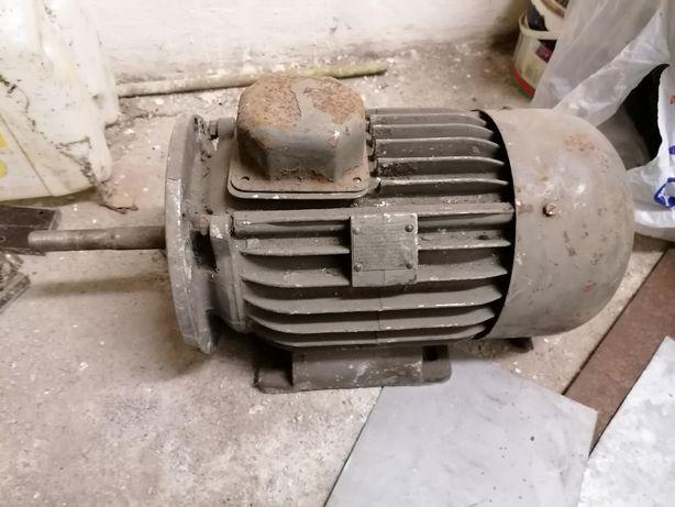 Silnik elektryczny 1.1 kw