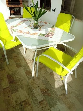 Mesa mais cadeiras