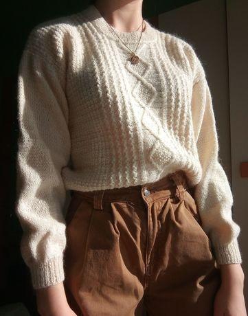 Sweter robiony ręcznie