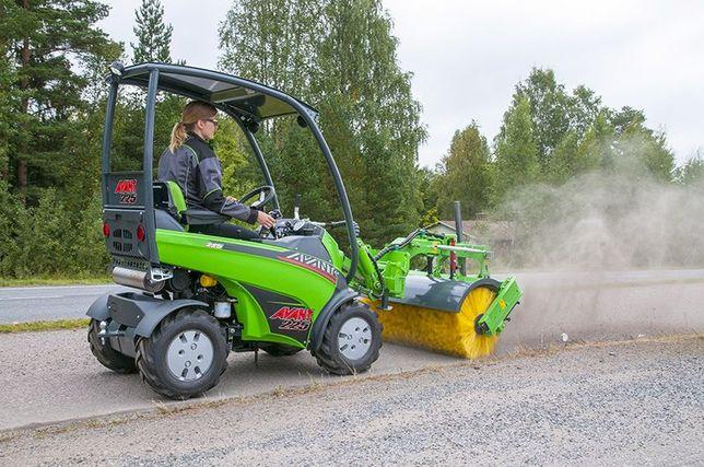 Универсальный мини погрузчик / Мини трактор AVANT (Финляндия)