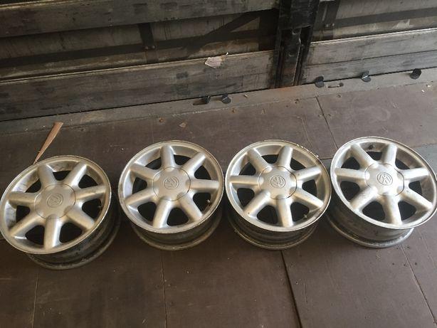 Felgi aluminiowe 15 VW 6j et35 Passat B4 Golf 3