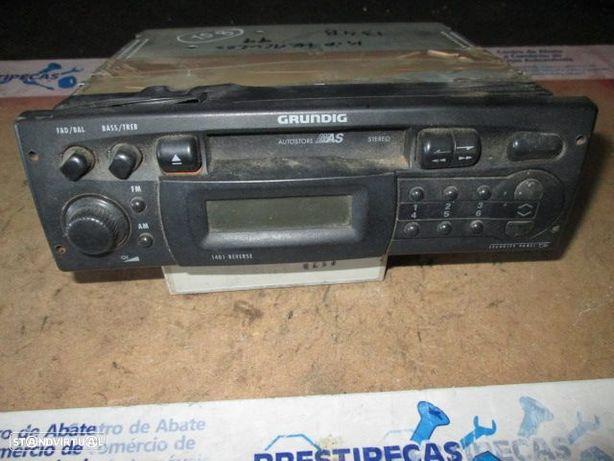 Rádio cassete 751128 KIA / HERCULES / 1999 / GRUNDIG / WKC1401 /