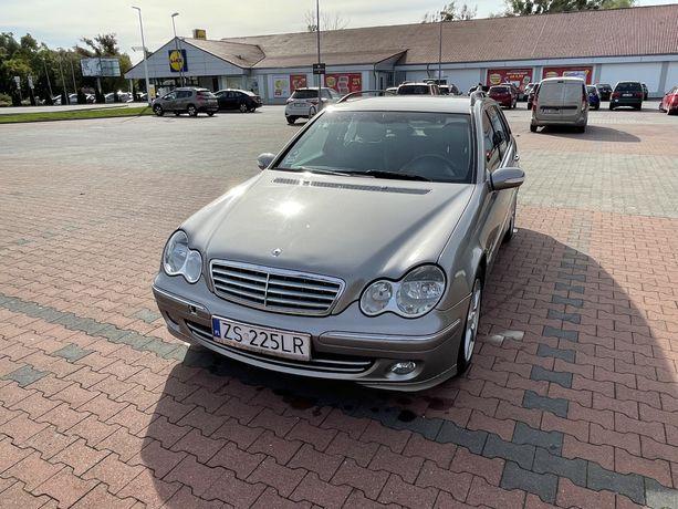 Mercedes-Benz W203 kombi C200Kompresor