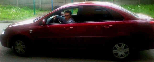 Прокат авто для свадьбы Chevrolet Lacetti красная