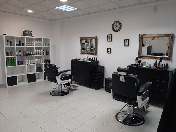Salão de cabeleireiro , barbearia e estética