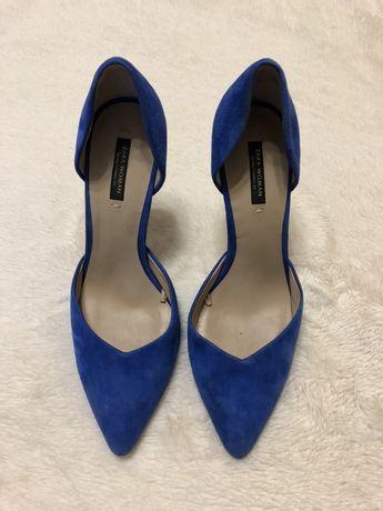 Красивые натуральные замшевые туфли