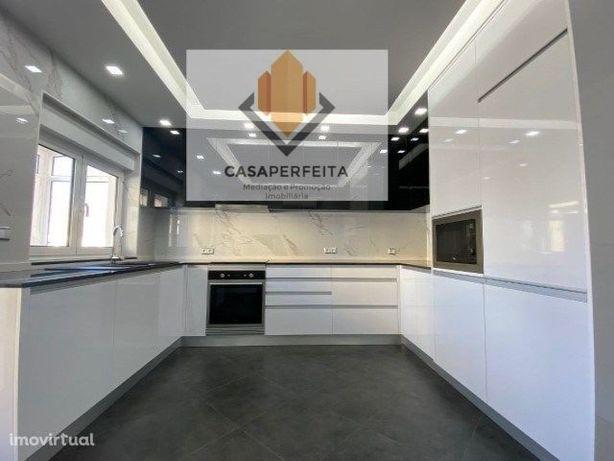Apartamento T2 de 2 Frentes com excelentes acabamentos - Carvalhos