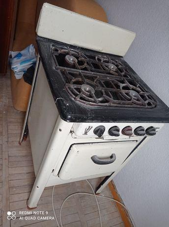 Газовая плита старая