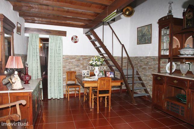 Moradia T1 + 1 em Rés do Chão – S. Vicente e Ventosa - Elvas