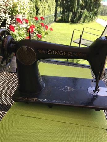Maszyna do szycia firmy Singer (antyk)