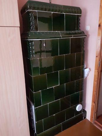 Piec kaflowy butelkowa zieleń