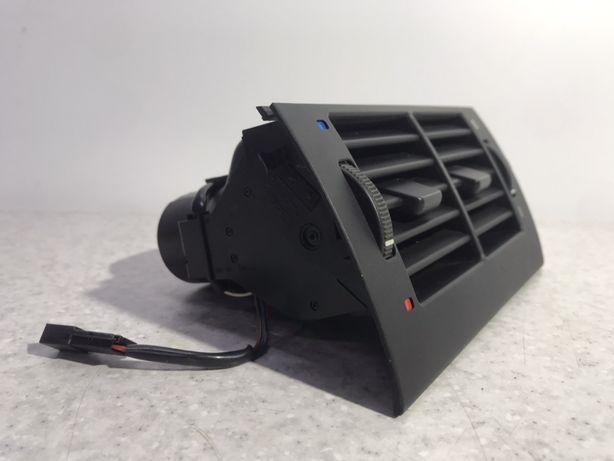 Дефлектор Печки Вентиляции Зад Обдува Салона БМВ Е39 bmw E39 8376150