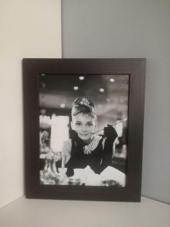 Obrazek Audrey Hepburn (w drewnianej ramie)