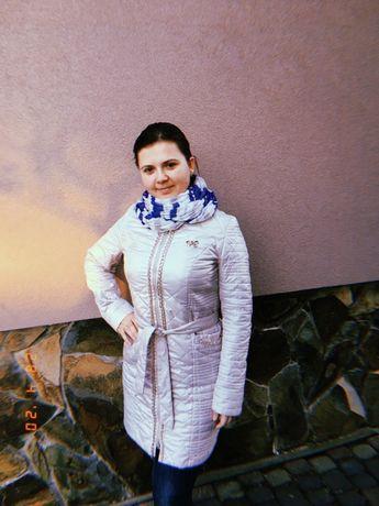 Куртка біла на весну-осінь Куртка белая на весну-осень
