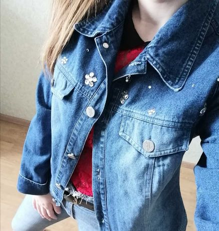 Куртка  джинсова, стан ідеальний.