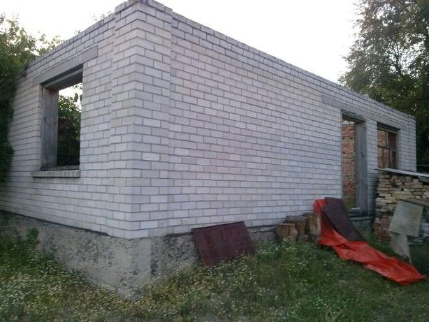 Продається участок з початим будівництвом і будиночком в с.Будище