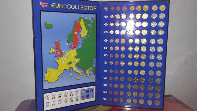 Klaser numizmatyczny z monetami euro