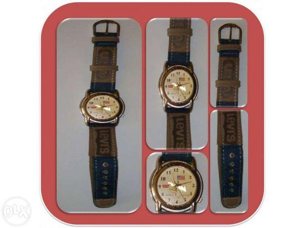 Relógio da marca LEVIS