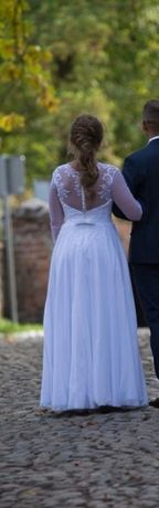 Suknia ślubna delikatna skromna haft gipiura rękaw wyszczuplająca 38