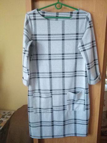 Sukienka z kieszeniami rozmiar 38