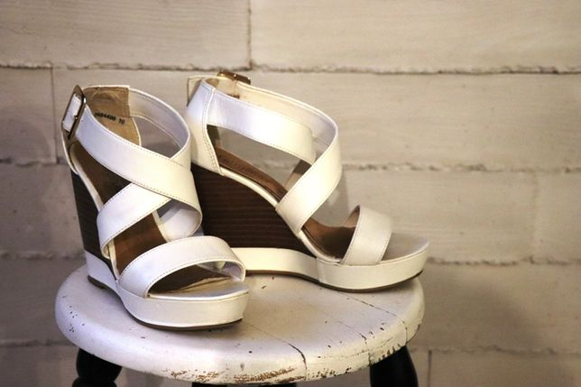 Buty sandały koturny 37