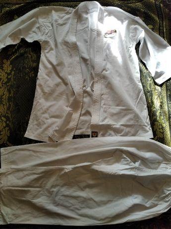 Кимано новое, плотное,штаны 110см,куртка 92см, 50р, рост от 170