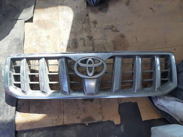 Решітка радіатора Toyota prado