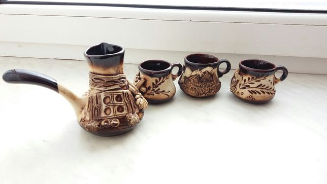 Набор для кофе. Турка и две чашки.