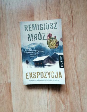 R.Mróz Ekspozycja, Forst