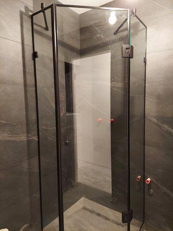 Душевая кабина  стекло 8мм фурнитура чорная , перегородки перила двери