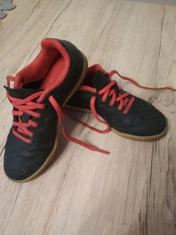 Buty halowe rozmiar 28, Decathlon, dziecięce