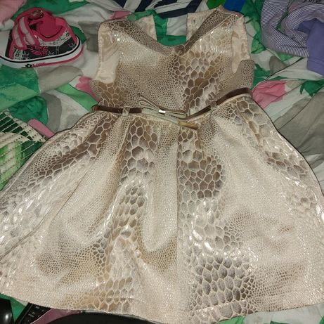 Sprzedam dla dziewczynki sukienki