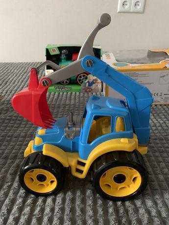 Трактор- іграшка