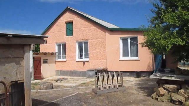 продам дом из 4 комнат в крыму пгт раздольное недалеко от евпатории