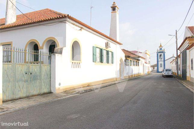 Moradia - Casa Senhorial, T9 em Montes-Velhos, Aljustrel - Beja
