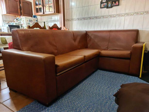 Conjunto de sofás castanho em napa