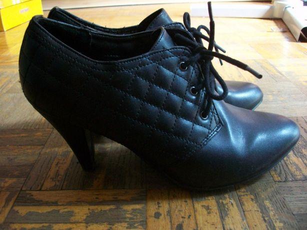 Buty botki czarne obcas 38 Deichmann skóra ekologiczna