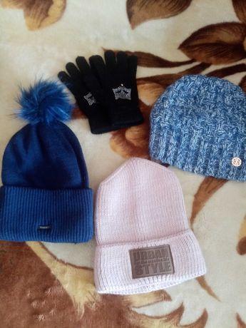 Зимові шапки і рукавиці