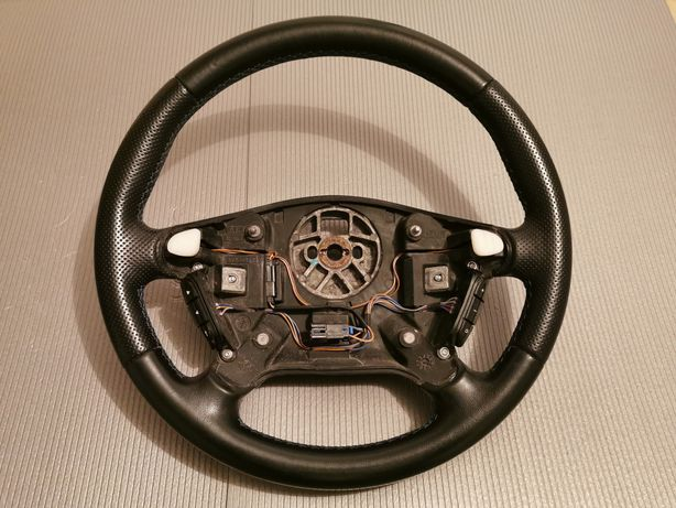 Piękna kierownica Opel Omega B