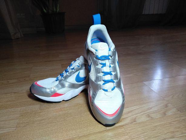 Продам новые кроссовки Nike, только из магазина (с коробкой)