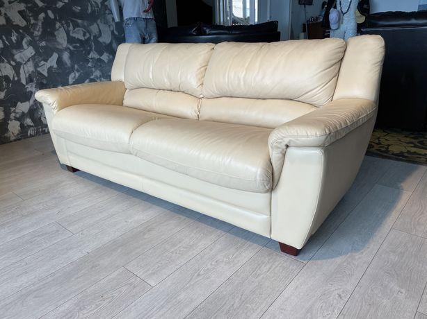 Компактный кожаный раскладной диван 3-ка (Финляндия)Сост.идеальное