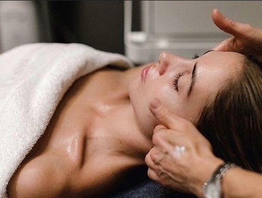 Japoński masaż twarzy KOBIDO naturalny lifting zmarszczki precz