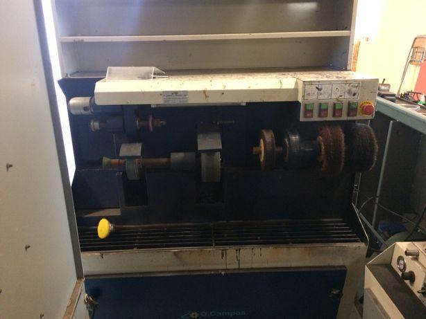 Maquina de acabamentos lixadeira