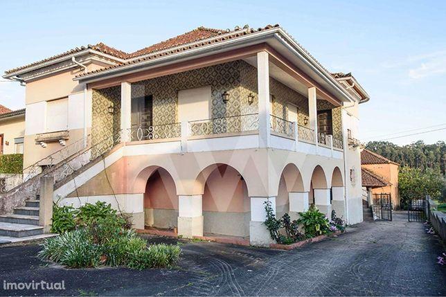 Quinta com moradia de 2 pisos na Anadia