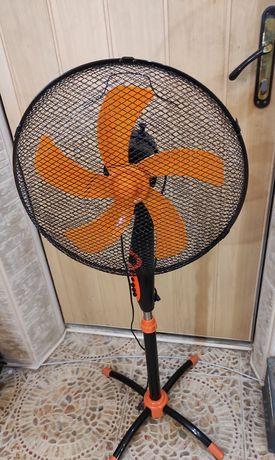 Вентилятор напольный и бытовой, чёрный и оранжевый с таймером и не дор