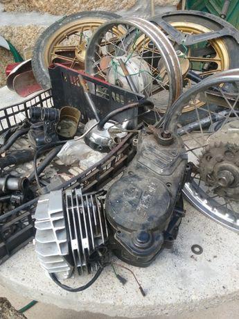 Casal boss motors toda desmontada depósito boss,
