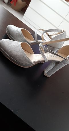 Ślubne brokatowe czółenka na platformie z paskami Mercy srebrne nowe