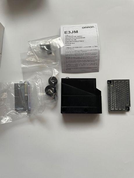 Czujnik fotoelektryczny odblaskowy OMRON E3JM-R4R4T-G NOWY
