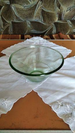 Продаю стеклянную вазу для фруктов или салатов